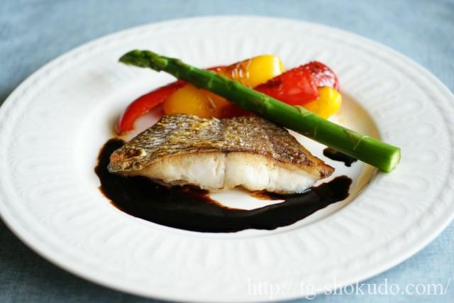 真鯛のポワレ・バルサミコソース添え