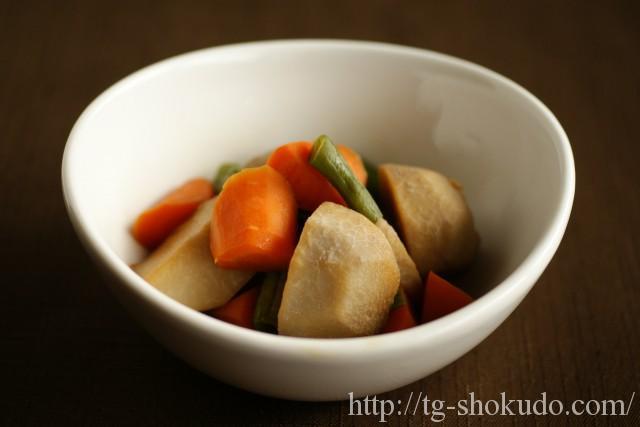 里芋と野菜の煮ころがし