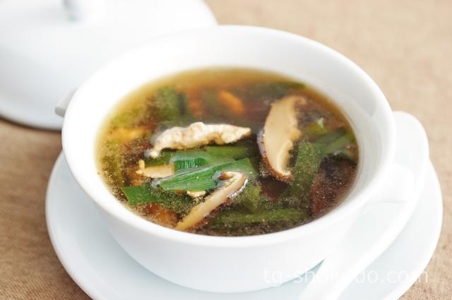 豚肉とニラのピリ辛オイスタースープ