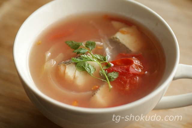 鱈とトマトのスープ